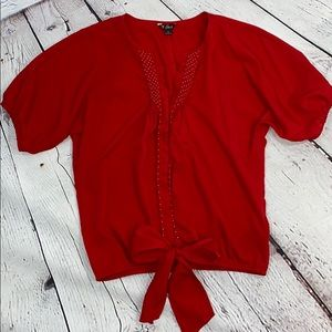 Red Guess snapped cropped oversized blouse